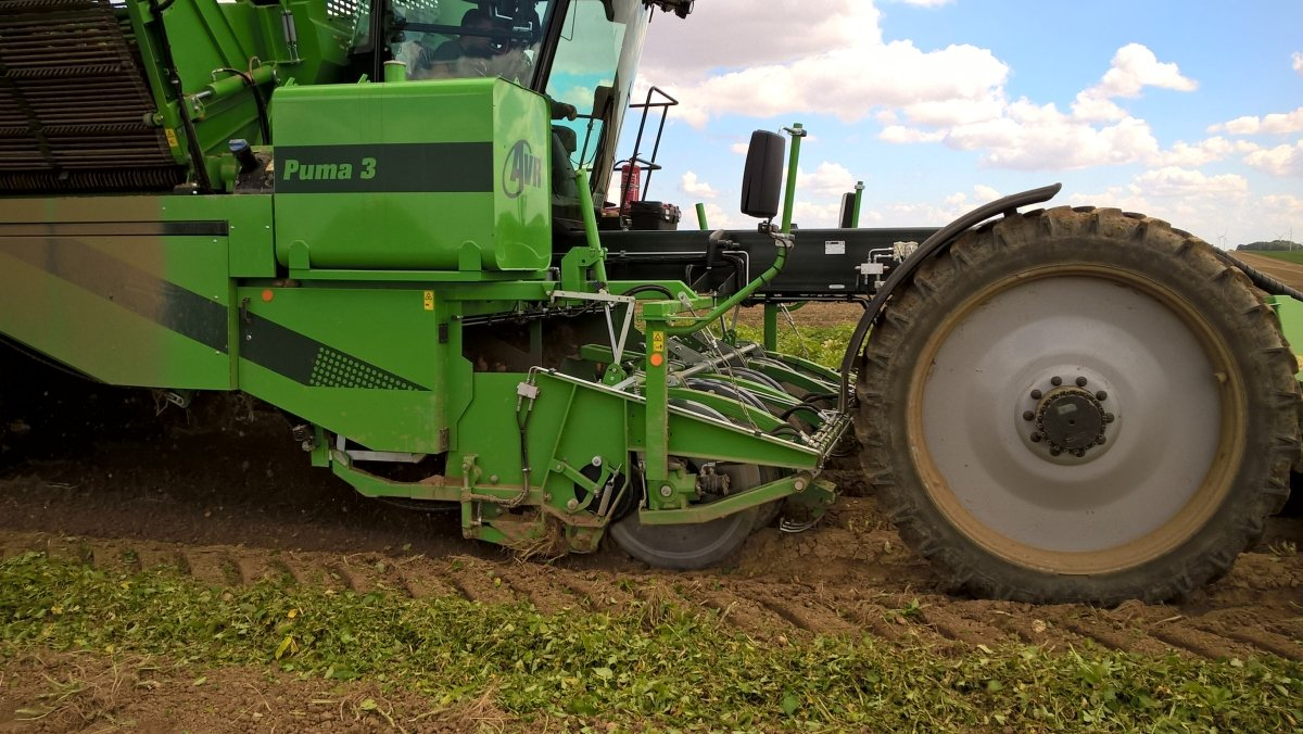 AVR demonstrates 'All Conditions Control' option for Puma 3 at Potato Europe, Aardappeldemdag