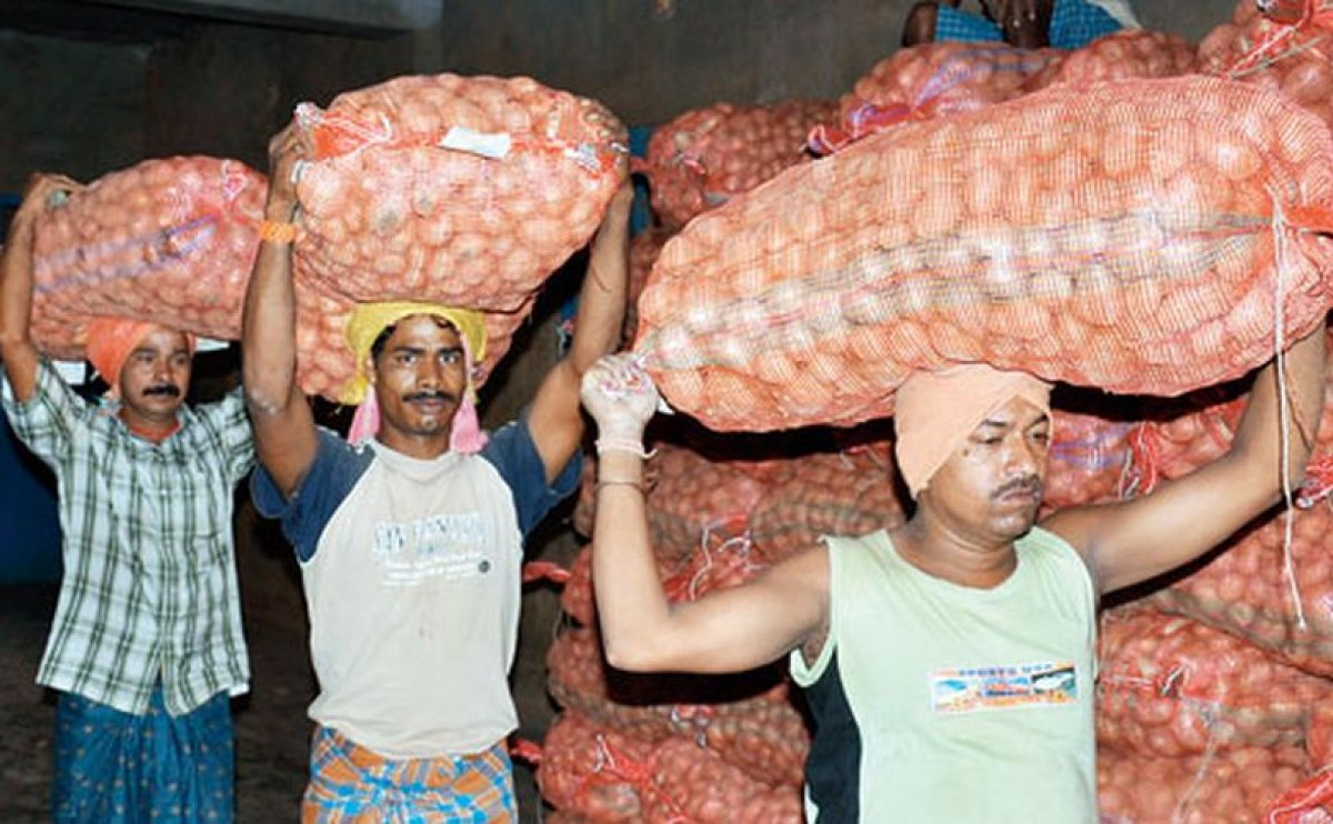 Indian State Odisha Imposes Stock Limits On Potatoes to curb prices