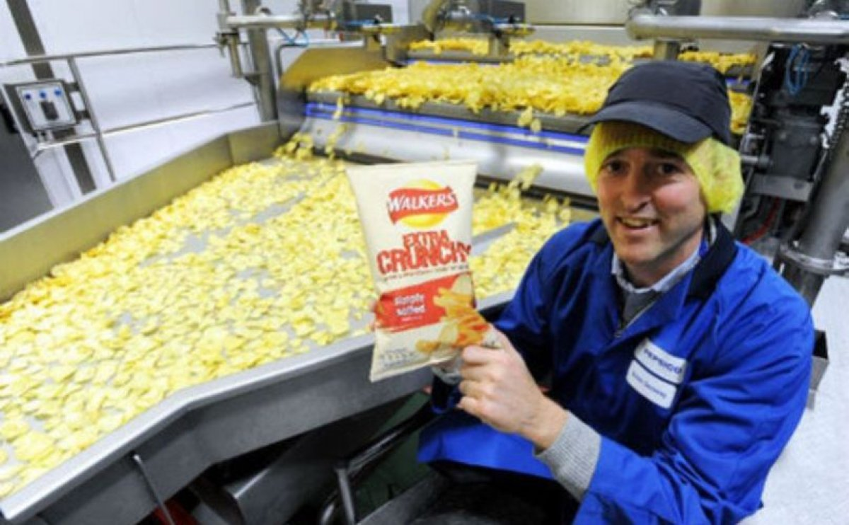 Inside Walkers - the biggest crisp factory in the world